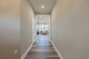 Entranceway to Living Room/Kitchen